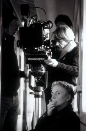 denis-claire-001-directing-ten-minutes-older-the-cello-under-camera-and-agnes-godard